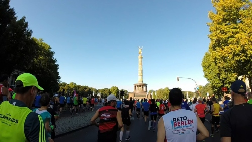 Starting towards the Victory Column.